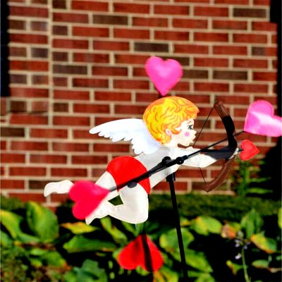5 - 18 in WhirliGig Spinner – Cupid (1)